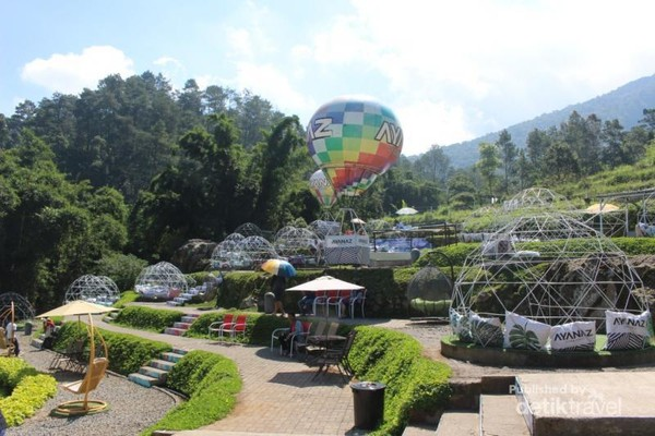 Ayanaz Gedong Songo yang intagramable dengan pemandangan pegunungan yang indah.