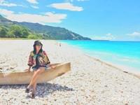 Kalau traveller ingin menikmati keindahan pantai maka pantai kolbano adalah tempatnya. Pantai ini begitu cantik, lantara memiliki bebuatuan berwarna dibibir pantainya.