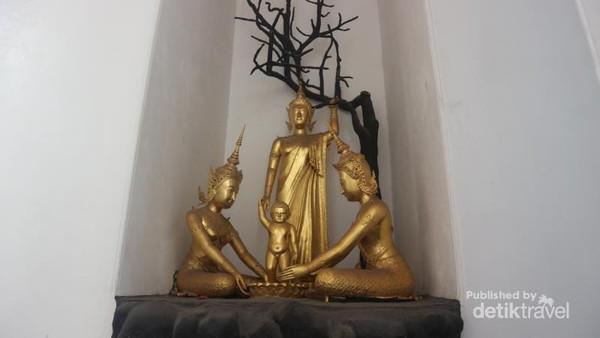 Ada juga berbagai patung lain yang bisa ditemui