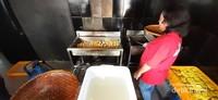 Jika ingin dinikmati langsung tersedia juga tahu goreng yang hangat dan renyah
