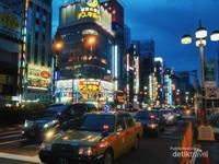 Shinjuku saat pukul 5 pagi