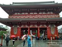 Kuil Sensoji salah satu kuil paling terkenal di Jepang