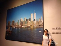 SALAH SATU LUKISAN YANG MENGGAMBARKAN INDAHNYA NEW YORK CITY SEBELUM TERJADI PENYERANGAN TERHADAP TWIN TOWER WORLD TRADE CENTRE, 11 SEPTEMBER 2001