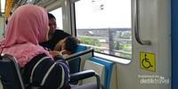 Naik LRT Palembang