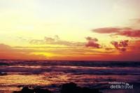 Sunset di Pantai Tanjung Layar - Desa Sawarna