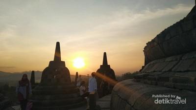 Indah Nian Matahari Terbenam di Candi Borobudur