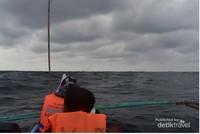 menuju lokasi lumba-lumba