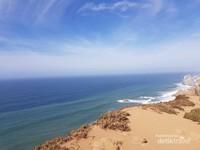 Samudera Atlantik dilihat dari Cabo da Roca