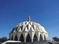 Melihat Masjid Nilein dari dekat.