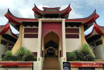 Bukan Kuil, Ini Masjid Beijing yang Unik