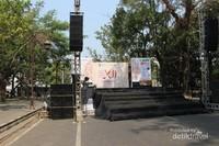 Panggung utama tempat karnaval di buka.
