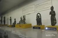 Sebagian arca yang ada di museum dalam ukuran keci.