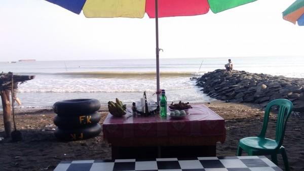 Pantai Batam Sari, Tegal.  Wisata pantai alternatif kota Tegal