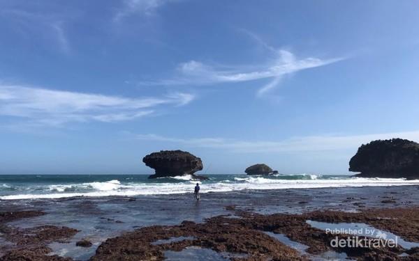 Keindahan Pantai Wayang, di sebelah persis Pantai Srau