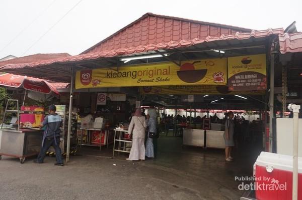 Salah satu yang paling populer di Melaka adalah Klebang coconut shake
