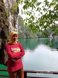 air hijau jernih, suasana yang senyap
