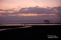 Sunset yg syahdu pantai Lakey.