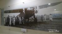 Pesawat H-NAFB ketika pembukaan rute Jakarta - Semarang dan Bandung pada tahun 1930