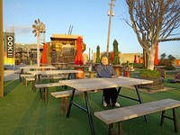 Pengunjung bebas memilih spot mana saja untuk istirahat tanpa harus memesan makanan