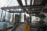 Terdapat dua sky box untuk berfoto di sky deck