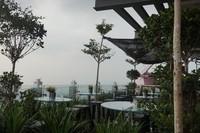 Cafe di sky deck dengan pemandangan Kuala Lumpur yang luar biasa
