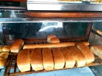 Roti dan kue di toko ini tidak menggunakan bahan pengawet