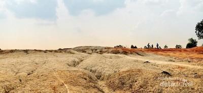 Bukan China, Ini Bukit Pelangi di Pekanbaru