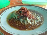 Sarapan dengan mie Koba, kuliner khas Bangka.