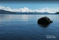 danau diatas yang bisa dikunjungi dan airnya sangat dingin serta menyegarkan