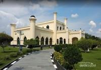 Koleksi Barang Mewah Sultan Siak Bikin Geleng-geleng Kepala
