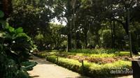 Jakarta terasa berbeda di taman ini.