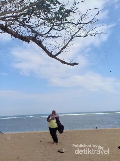 Pantai Balekambang, Tanah Lotnya Jawa Timur