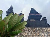Pura di Pulau batu yang menyerupai landskap Tanah Lot Bali