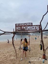 Ayunan Ikonik Pantai Balekambang