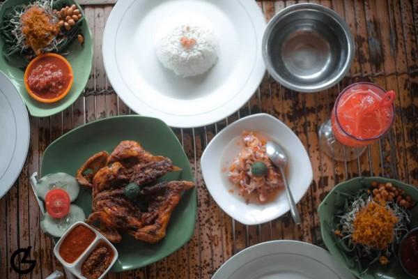 Kuliner wajib dicoba saat traveling ke Lombok, maknyuss