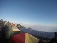 Gunung Andong selalu memiliki penggemarnya sendiri baik pendaki yang sudah ahli maupun pemula.