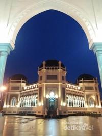 Pintu Masuk Masjid