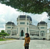 Luasnya Halaman Masjid