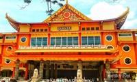 Begini Wujud Vihara Terbesar & Termegah di Medan