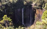 Air terjun dilihat dari spot Panorama