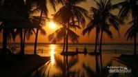 Menuju sunset di Nembrala