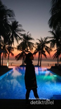 Saat Matahari turun, aku pun tak mau tinggal diam, abadikan momen ini walau hanya digores melalui Foto