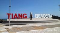 Salah satu objek wisata yang lagi happening juga di Rote, Tiang Bendera