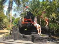 Taman wisata pendidikan (TWP) Purbasari Pancuran Mas terletak di Desa Purbayasa, Pada Ara, Purbalingga, Jawa Tengah.