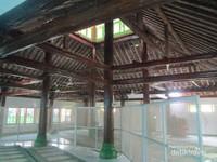 Masjid At Taqwa yang berada di Desa Gumelem, Kecamatan Susukan, Kabupaten Banjarnegara