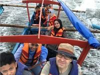 Saat kami di atas perahu menyebrang menuju cagar alam