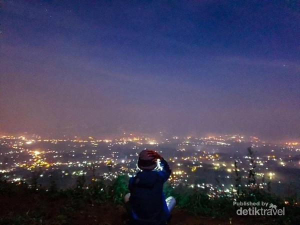Objek Wisata Bukit Alesano Bogor