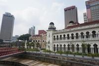 Dataran Merdeka terletak di Jalan Raja di pusat ibukota Malaysia ini