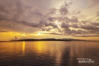 Sunrise pantai Watu Dodol