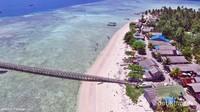 Pulau Salissingan memiliki jembatan yang cukup panjang untuk sandar kapal.